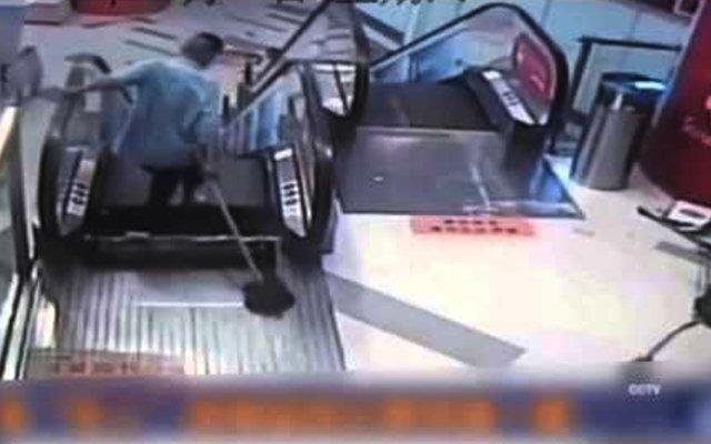 Shanghai man's leg gets amputated in escalator accident video