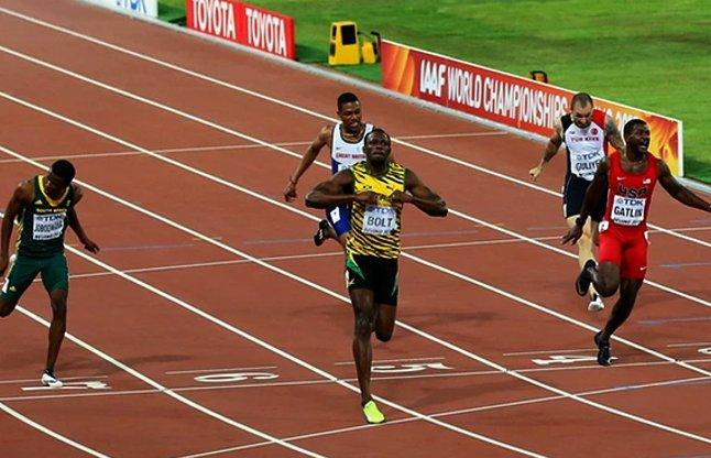 Usain Bolt 19.55 Blows Away Justin Gatlin 200m Final World Champs 2015 video